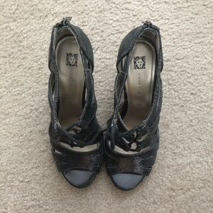 Anne Klein Grey Heels
